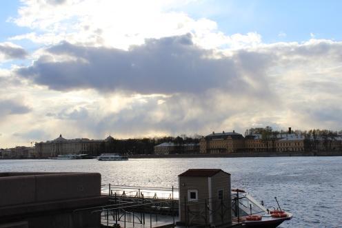 Rio Nieva, vista para o Palácio Menshikov